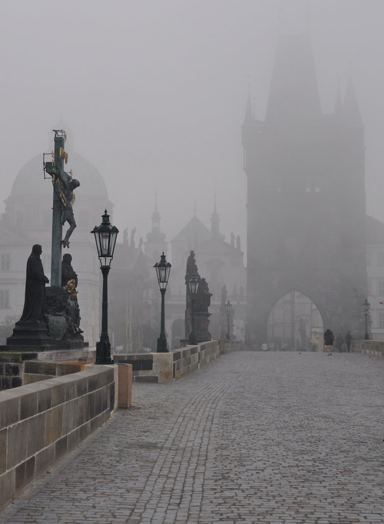 Charles bridge in the fog #04